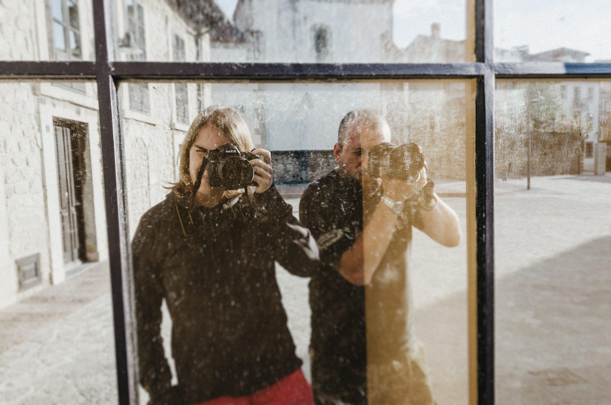 Somos María (fotógrafa) y Fernando (videógrafo), Photoletum Studio